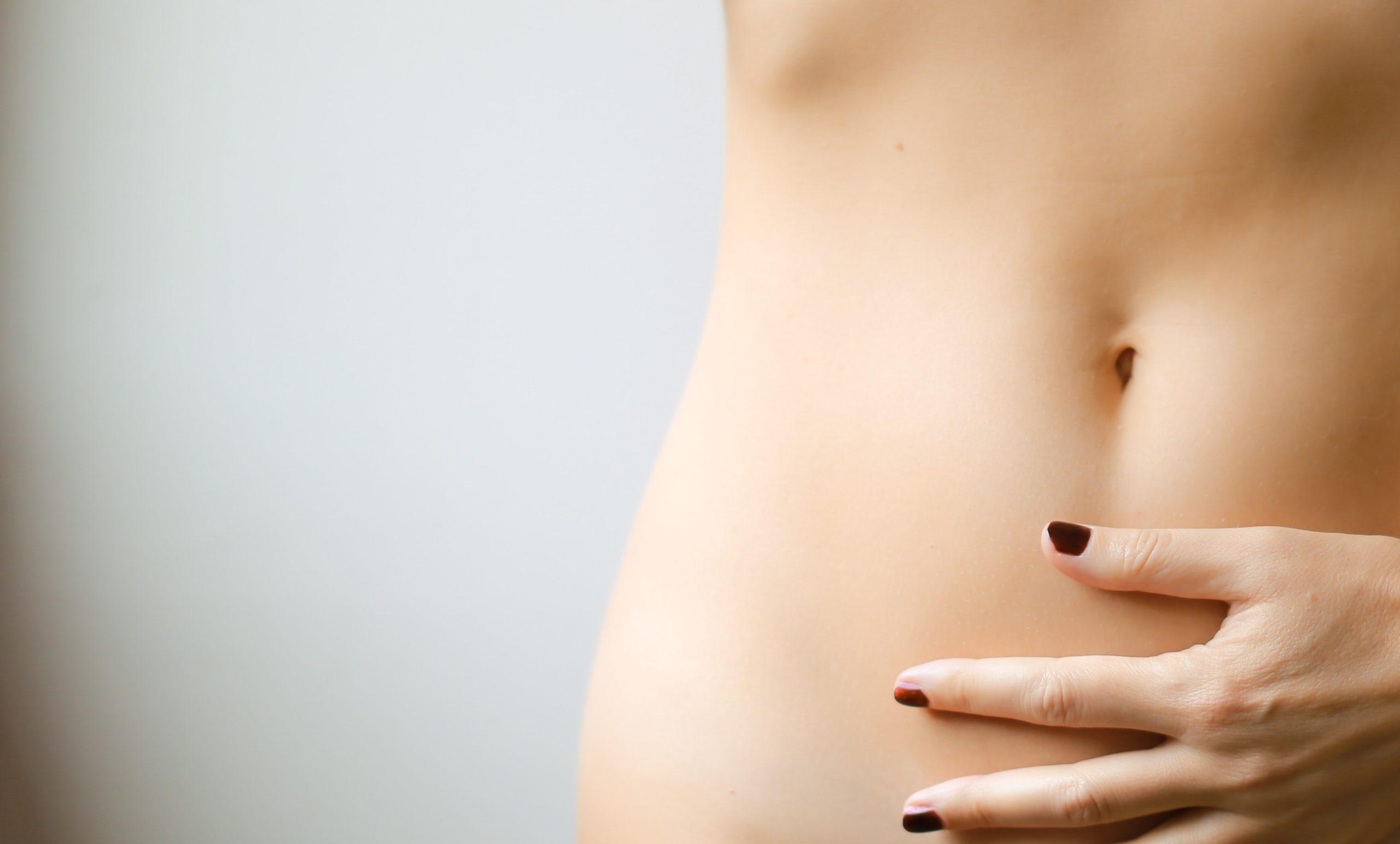 Straffer Bauch einer Frau